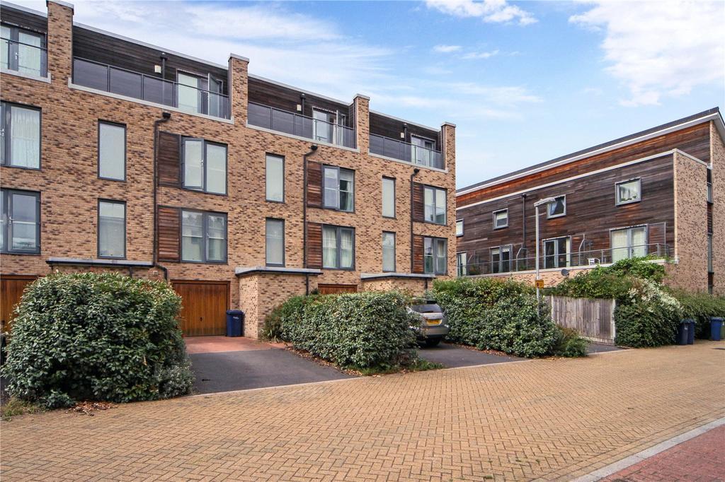 4 Bedrooms Terraced House for sale in Scholars Walk, Cambridge