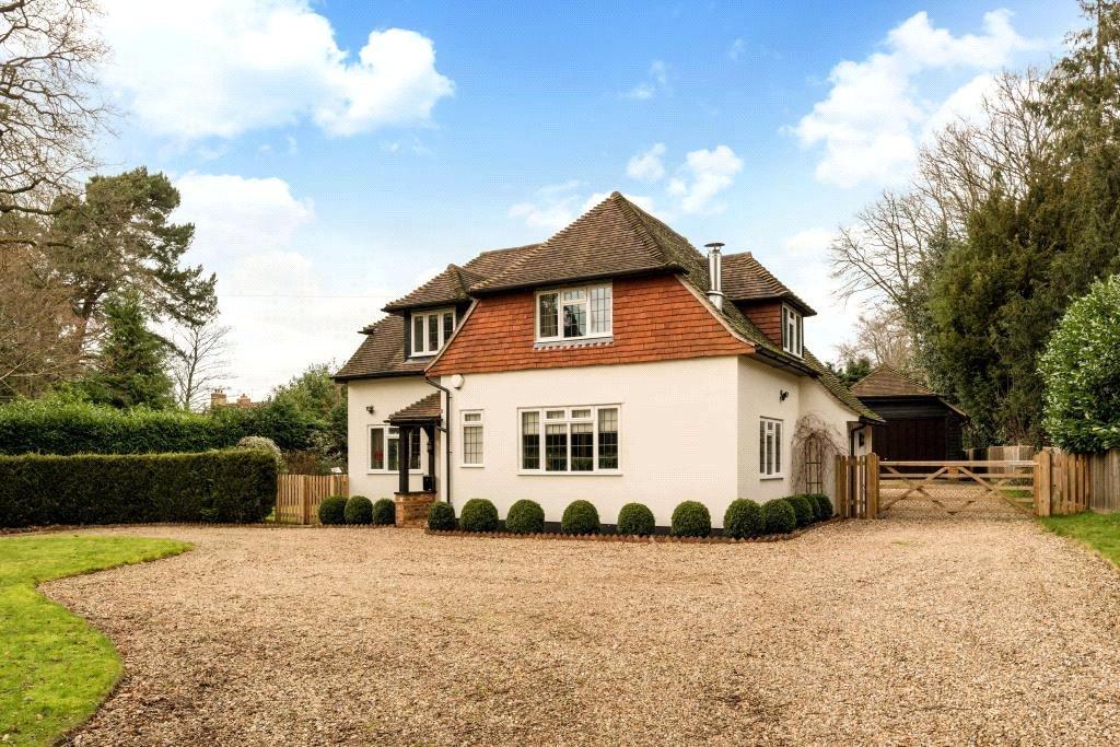 4 Bedrooms Detached House for sale in Grenville Road, Shackleford, Godalming, Surrey, GU8