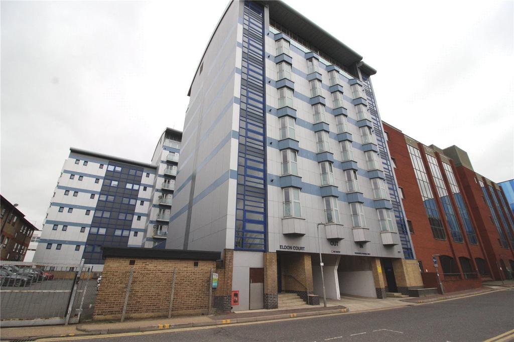 1 Bedroom Apartment Flat for sale in Eldon Court, Slaney Road, Romford, RM1