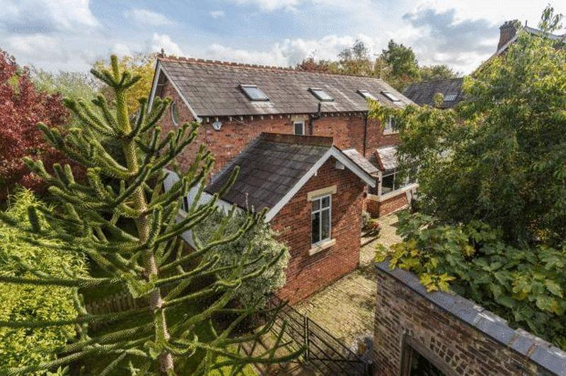 5 Bedrooms Detached House for sale in Detached Barn with Annexe - Main Road, Goostrey