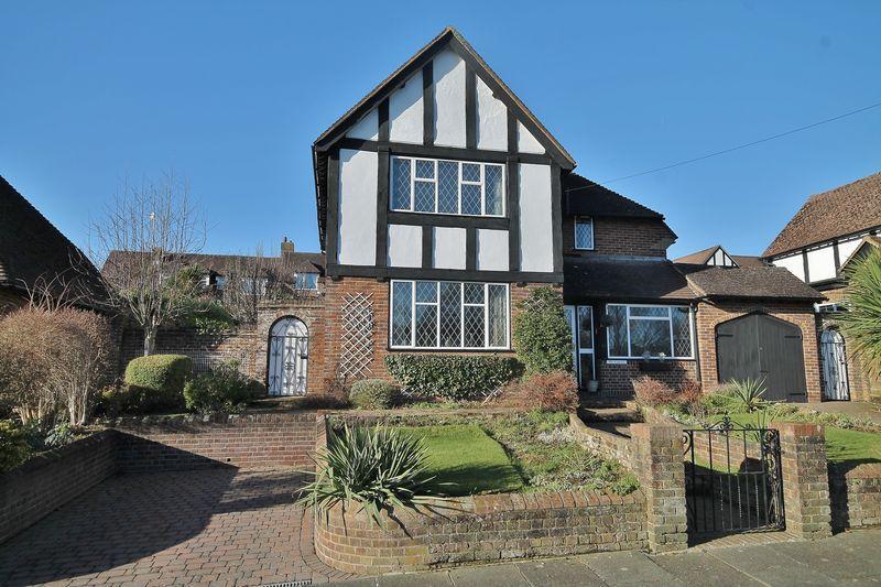 3 Bedrooms Detached House for sale in Brangwyn Way, Brighton, East Sussex