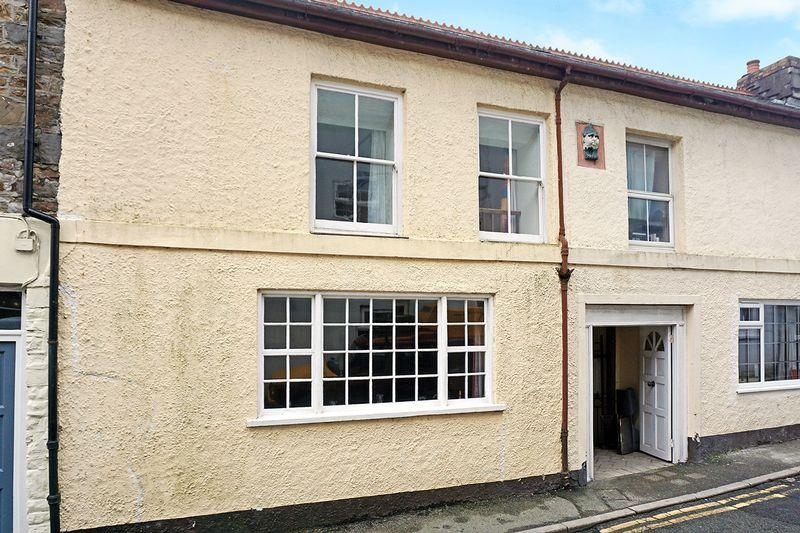 3 Bedrooms Terraced House for sale in Stratton, Bude