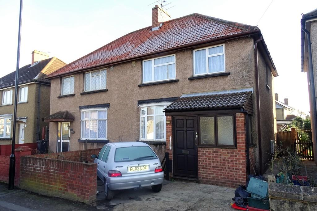 3 Bedrooms Semi Detached House for sale in Vernon Road, Feltham, TW13