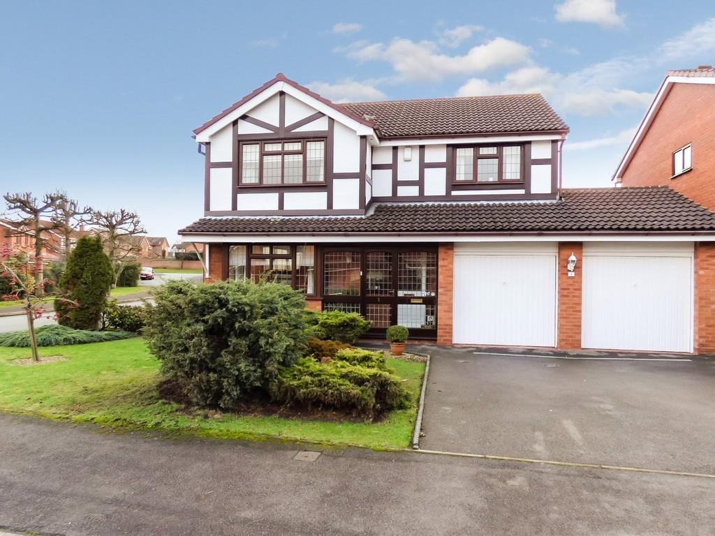 4 Bedrooms Detached House for sale in Blackthorne Road, Lichfield