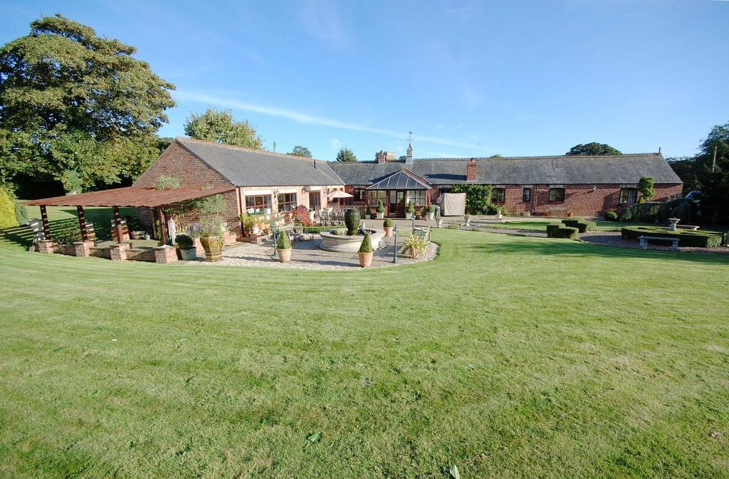 5 Bedrooms Barn Conversion Character Property for sale in South Elkington, Louth