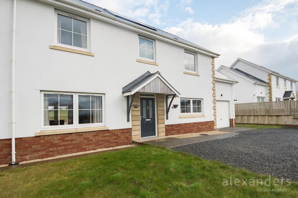 4 Bedrooms Detached House for sale in Capel Seion