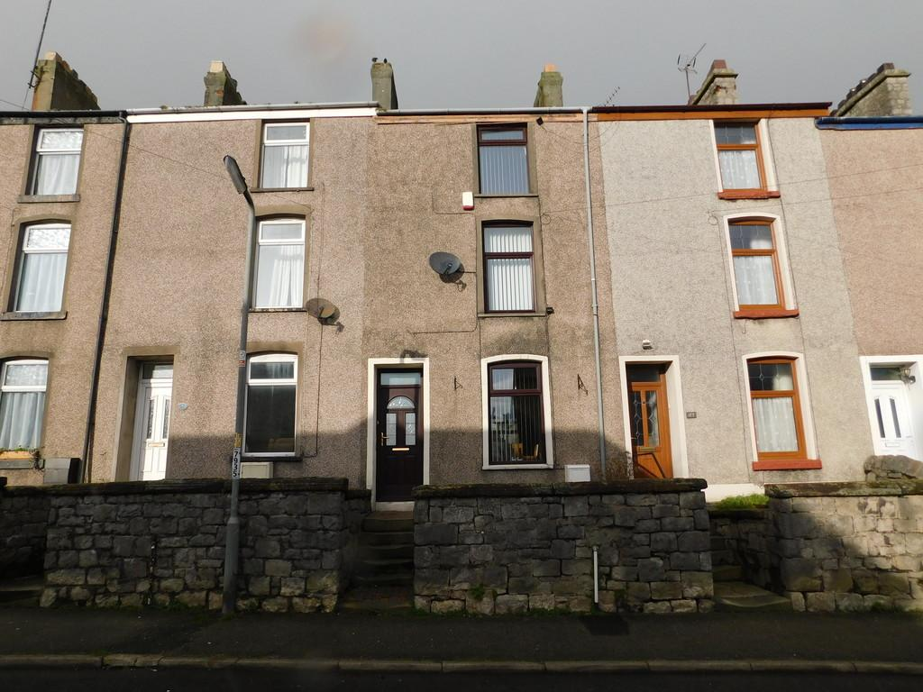 4 Bedrooms Terraced House for sale in Chapel Street, Dalton-in-Furness. LA15 8SL
