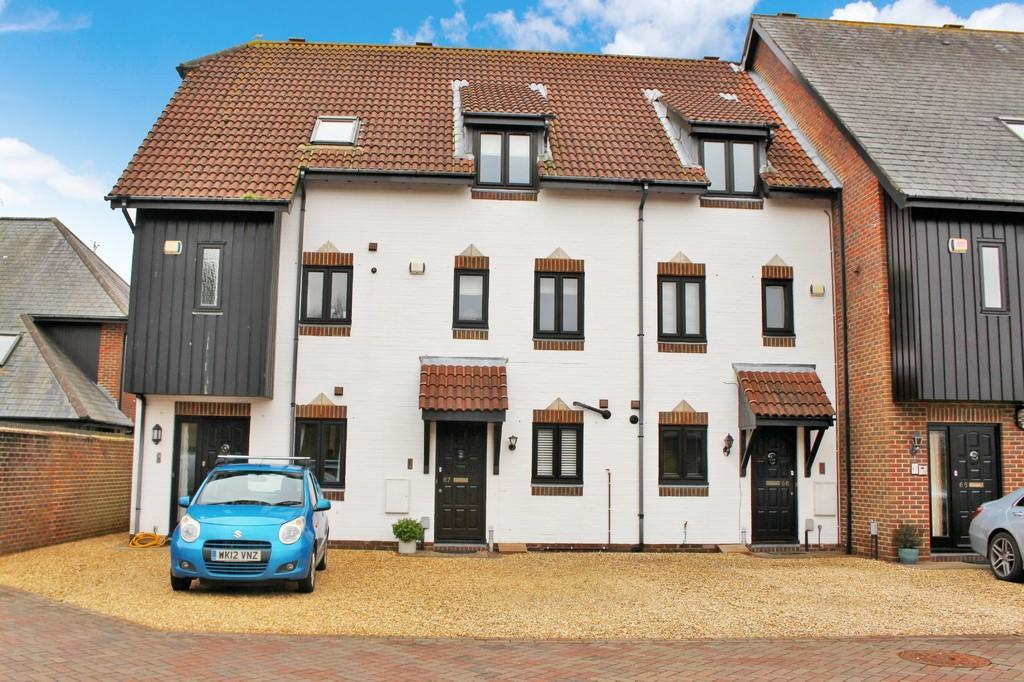 4 Bedrooms Mews House for sale in Endeavour Way, Hythe Marina Village