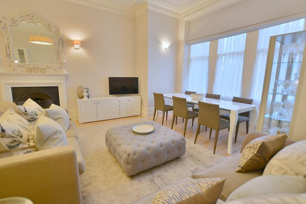 2 Bedrooms Ground Flat for sale in Cavendish Road, Dean Park, Bournemouth