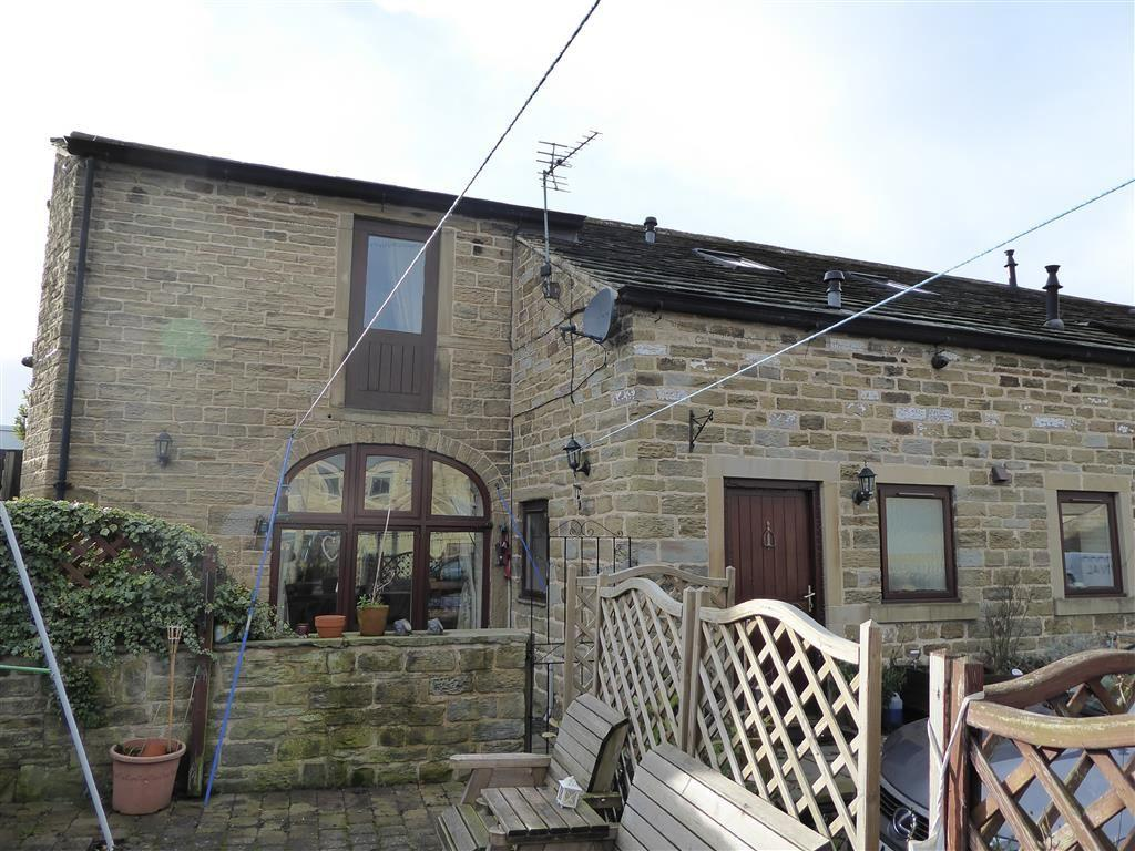 3 Bedrooms Semi Detached House for sale in Field Head Farm Court, Shepley, Huddersfield, HD8