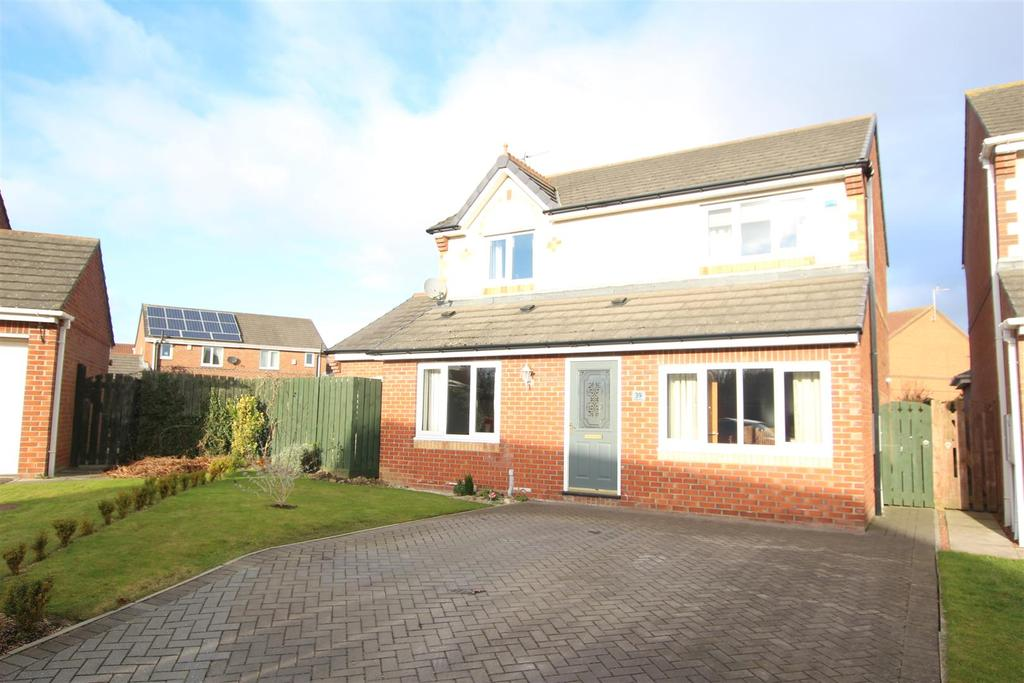 3 Bedrooms Detached House for sale in Duxford Grove, Faverdale, Darlington