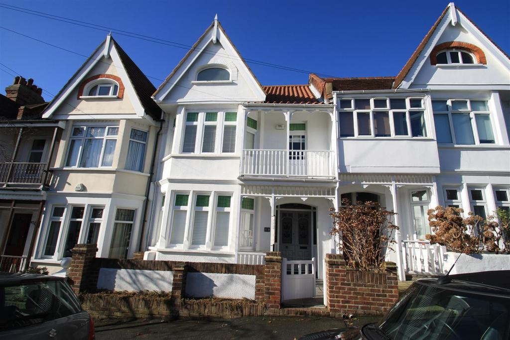 5 Bedrooms Terraced House for sale in Leigh Cliff Road, Leigh-On-Sea