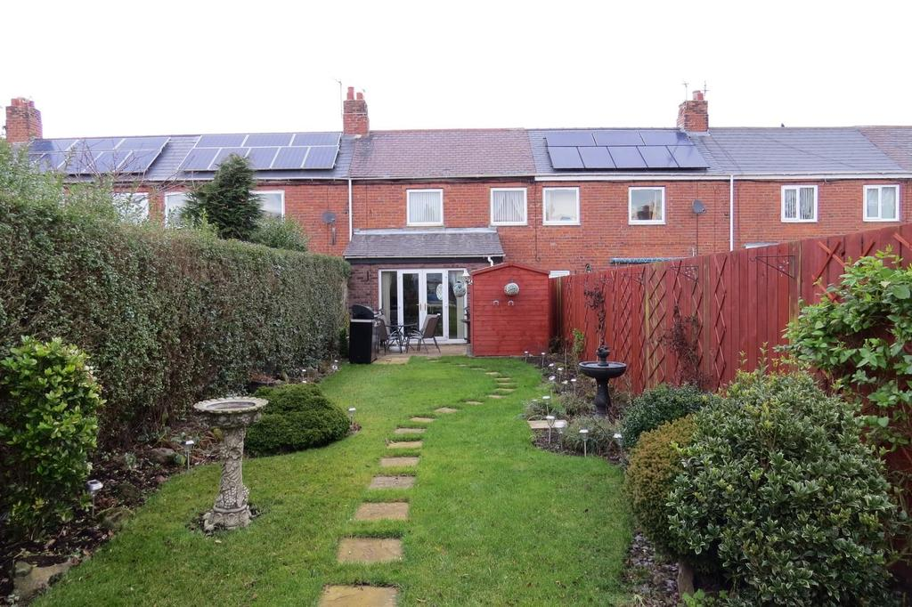 2 Bedrooms Terraced House for sale in Third Row, Linton