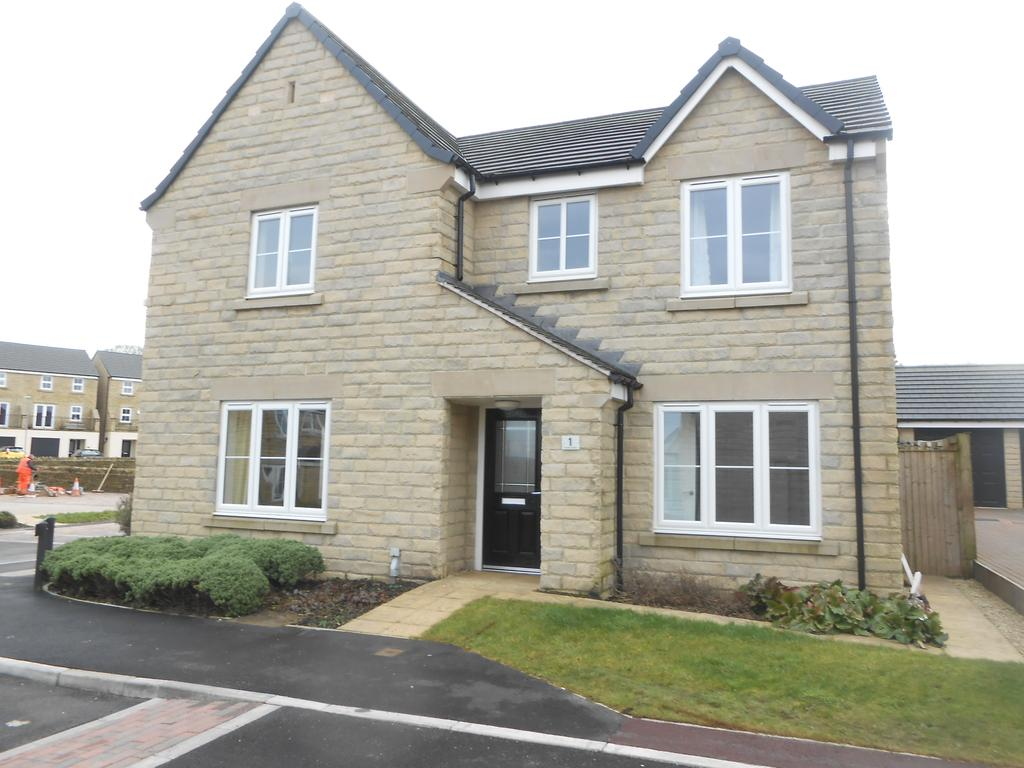 4 Bedrooms Detached House for sale in Byland Court, Wilsden BD15