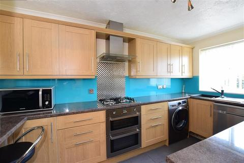 3 bedroom semi-detached house for sale - Arundel Close, Lords Wood, Chatham, Kent