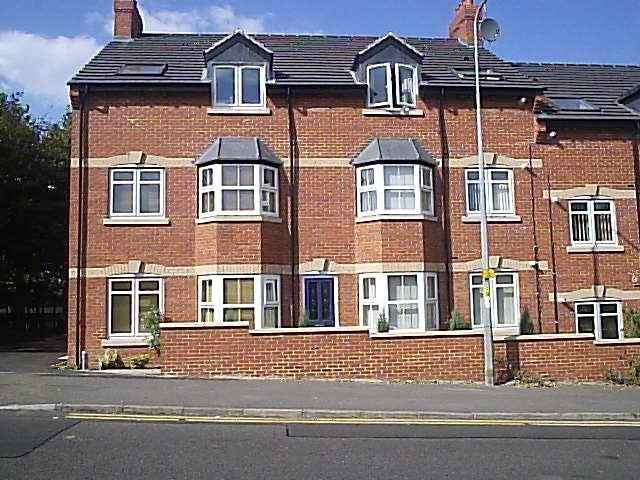 2 Bedrooms Flat for sale in Park View House, Rushden NN10