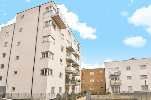 2 bedroom flat for sale - Cottington Street, Kennington