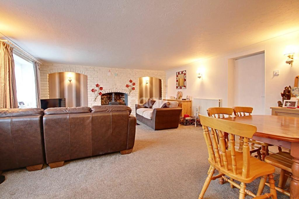 3 Bedrooms Cottage House for sale in New Road, Welney