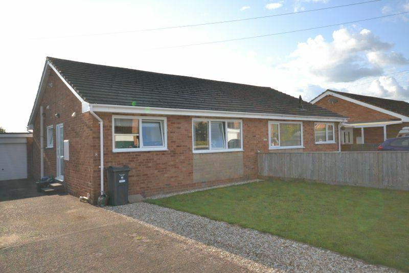 2 Bedrooms Semi Detached Bungalow for rent in * ELY CLOSE * FENITON *