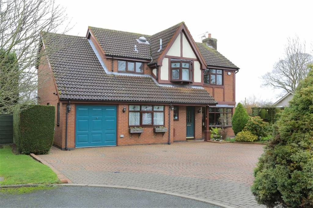 4 Bedrooms Detached House for sale in Meadow Close, Crewe