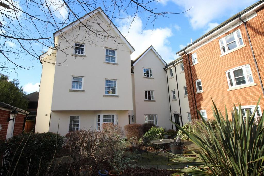 2 Bedrooms Apartment Flat for sale in Mortimer Court, Culver Street West, Colchester, Essex, CO1