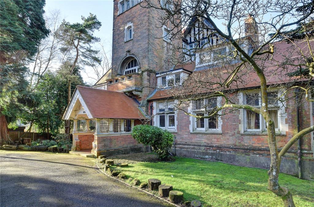 1 Bedroom Flat for sale in Heatherbank, Tower Road, Hindhead, Surrey