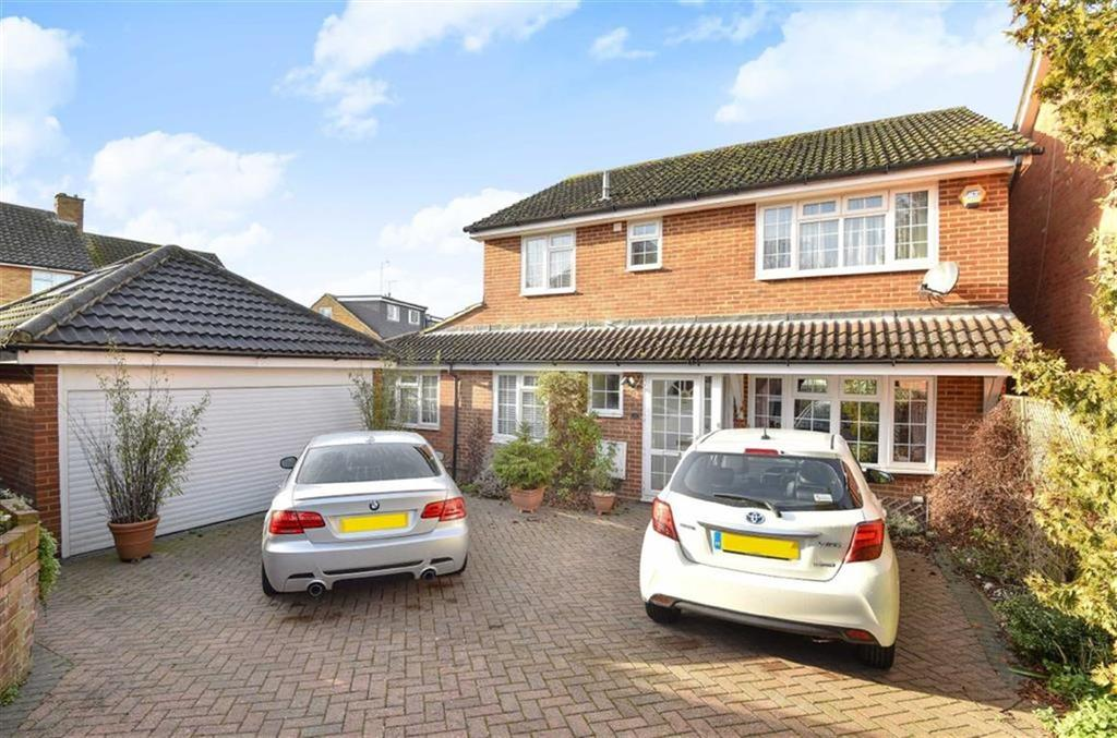 4 Bedrooms Detached House for sale in Caddington Close, New Barnet, Hertfordshire
