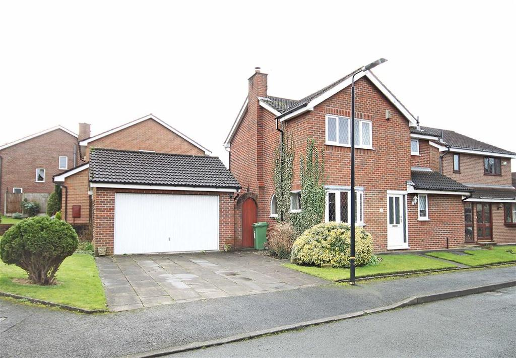 3 Bedrooms Detached House for sale in Hickton Drive, Altrincham, Cheshire