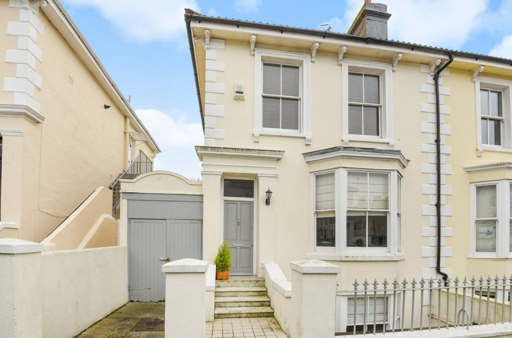 4 Bedrooms Semi Detached House for sale in Hova Villas Hove BN3