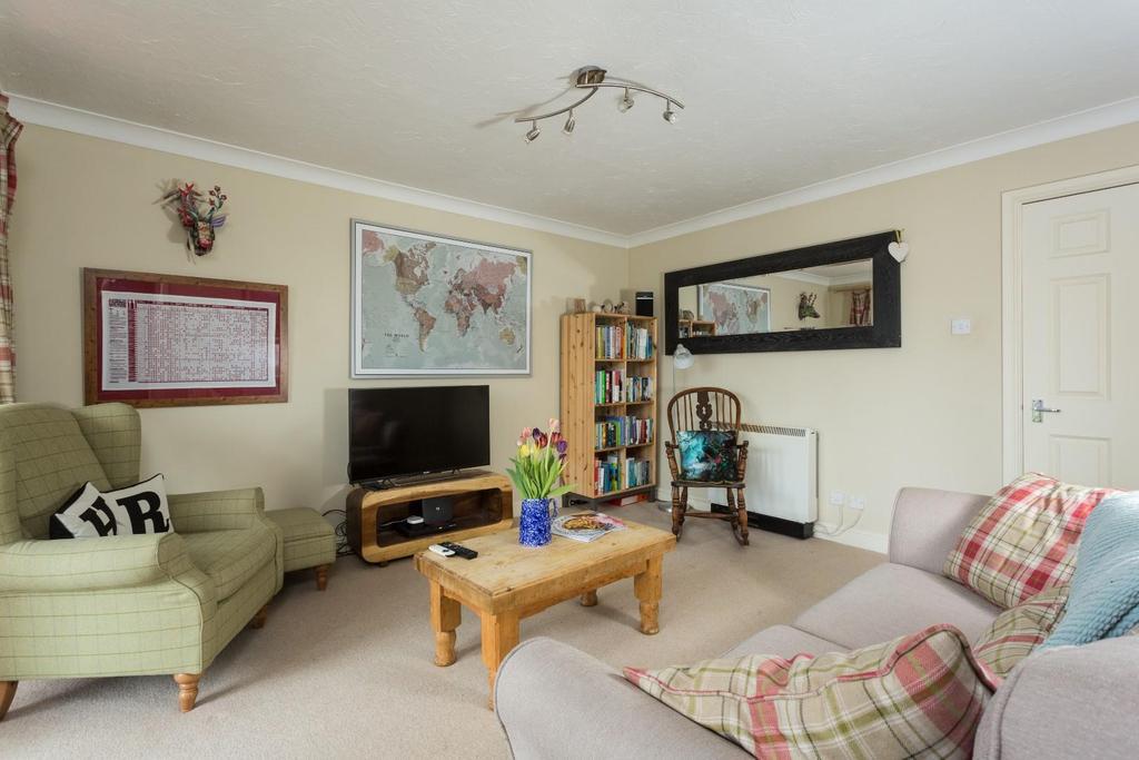 2 Bedrooms Flat for sale in Whitecross Gardens, Huntington Road, York