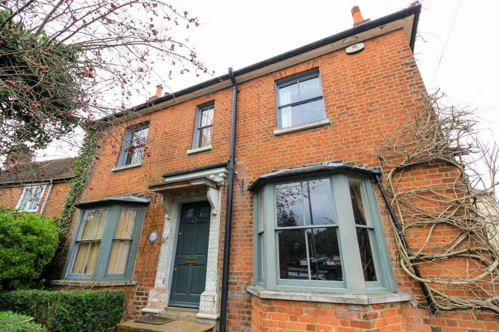 3 Bedrooms House for sale in High Street, Codicote, SG4