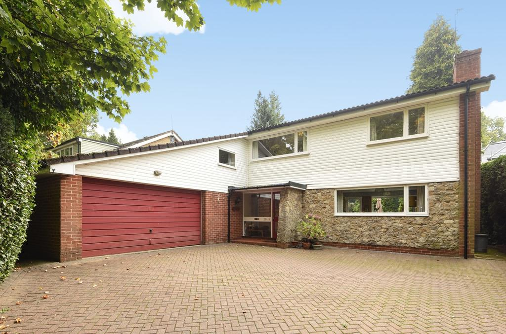 4 Bedrooms Detached House for sale in Croydon Road Keston BR2