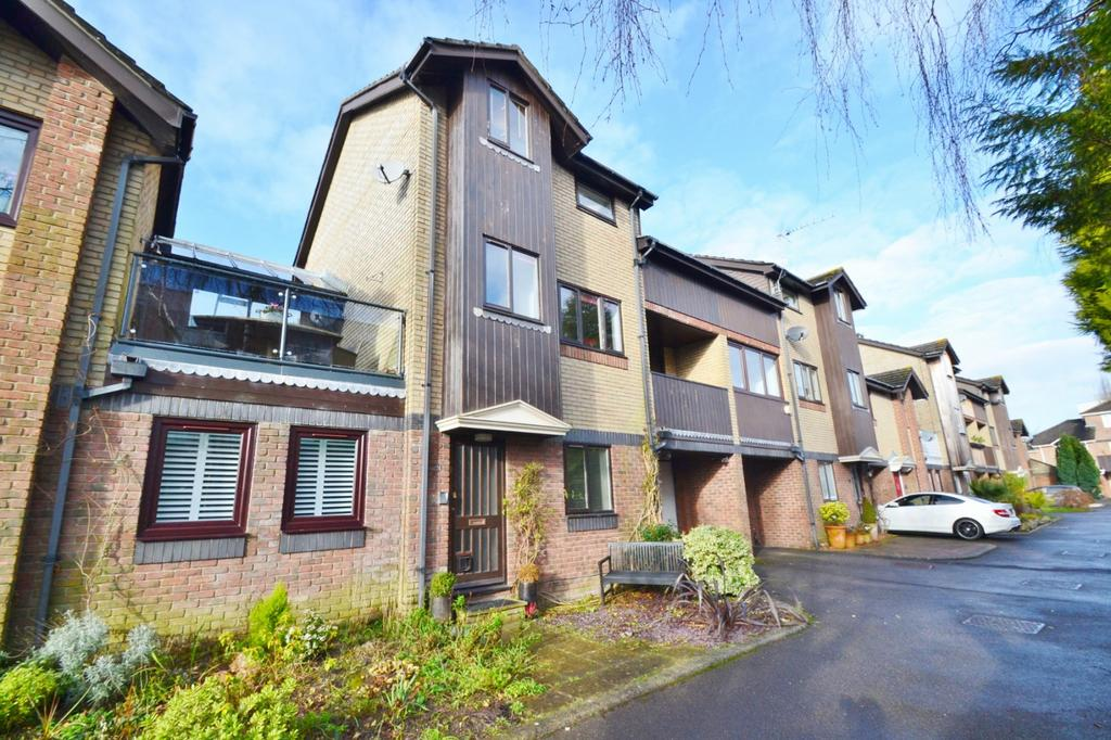 3 Bedrooms Terraced House for sale in Westbourne