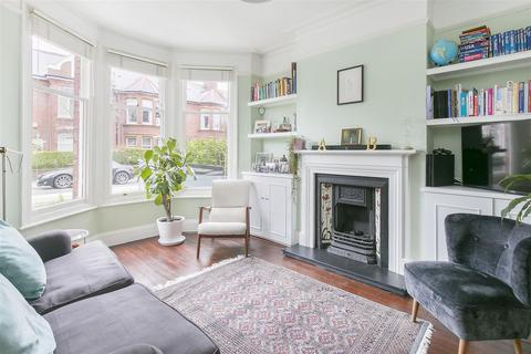 Search 2 bed properties for sale in balham onthemarket 2 bedroom flat for sale burnbury road balham sw12 malvernweather Choice Image