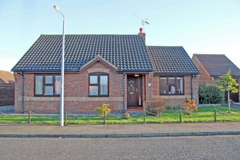 2 bedroom detached bungalow for sale - Heather Drive, Holt NR25