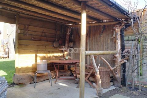3 bedroom detached house for sale - OLEANDER CRESCENT NORTHAMPTON