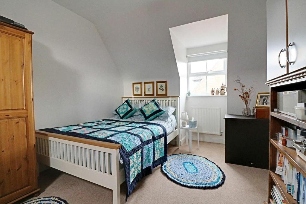 4 Bedrooms Detached House for sale in Halls Drift
