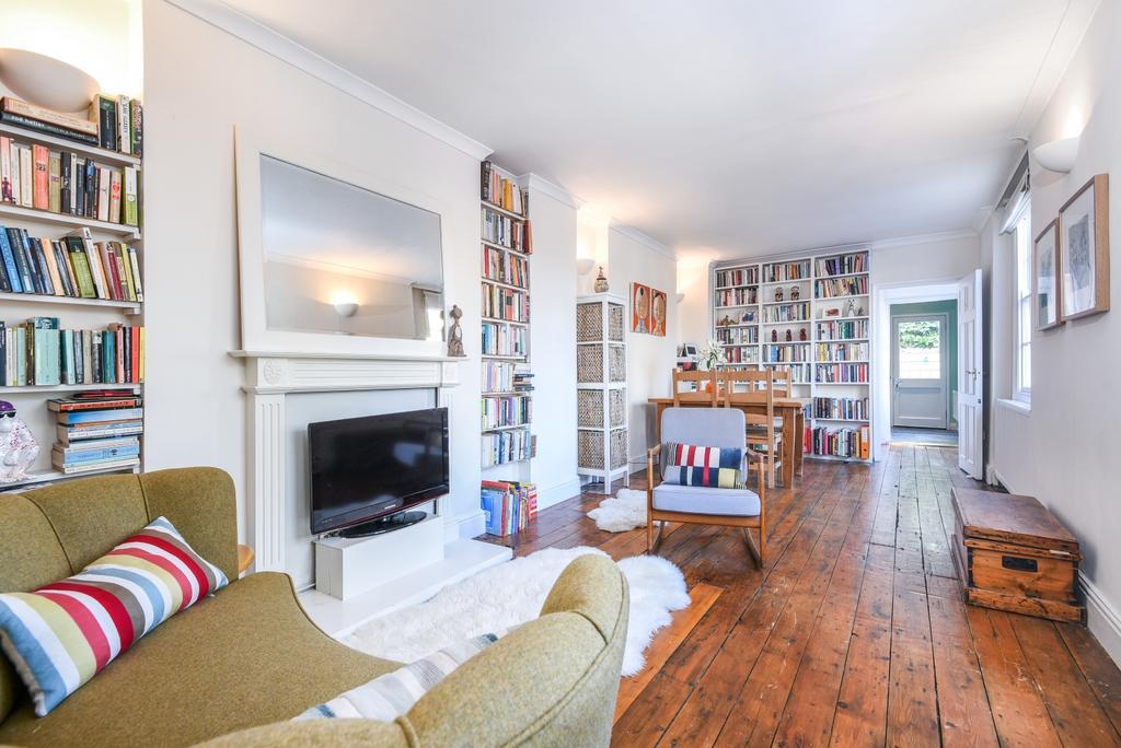 3 Bedrooms Detached House for sale in Craigerne Road London SE3