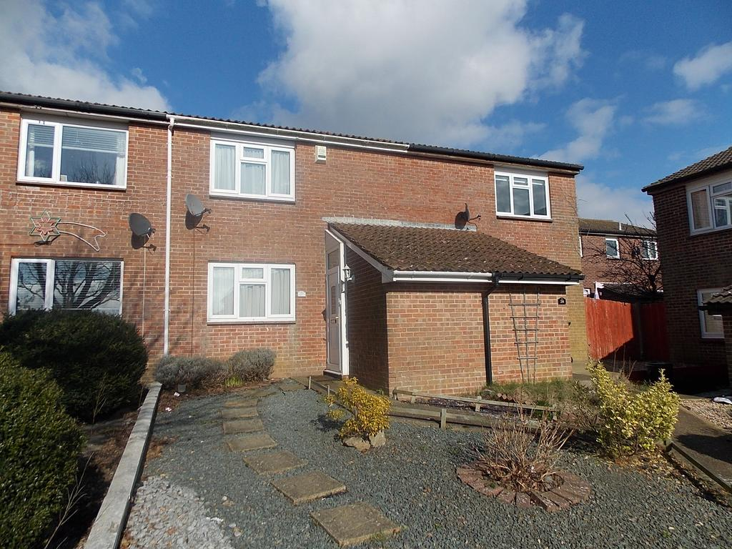2 Bedrooms Terraced House for sale in Abbey Close, Peacehaven, East Sussex