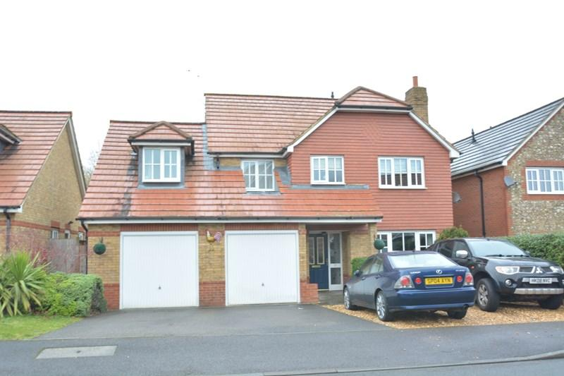 5 Bedrooms Detached House for sale in Blueberry Gardens, Andover