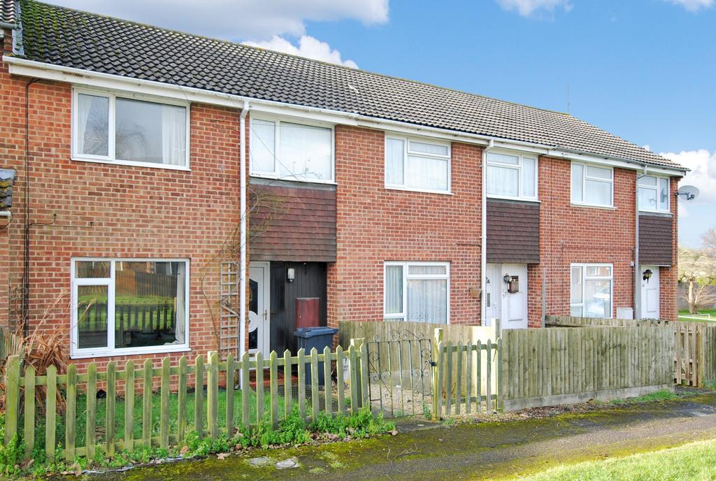 3 Bedrooms Terraced House for sale in Glebe Road, Durrington, Salisbury, SP4 8AY