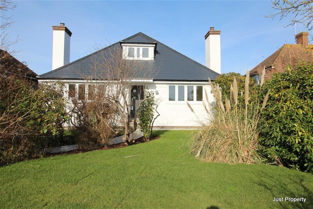 3 Bedrooms Detached Bungalow for sale in Pett Road, Guestling