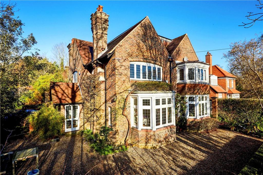 6 Bedrooms Detached House for sale in Wilderness Road, Oxted, Surrey, RH8