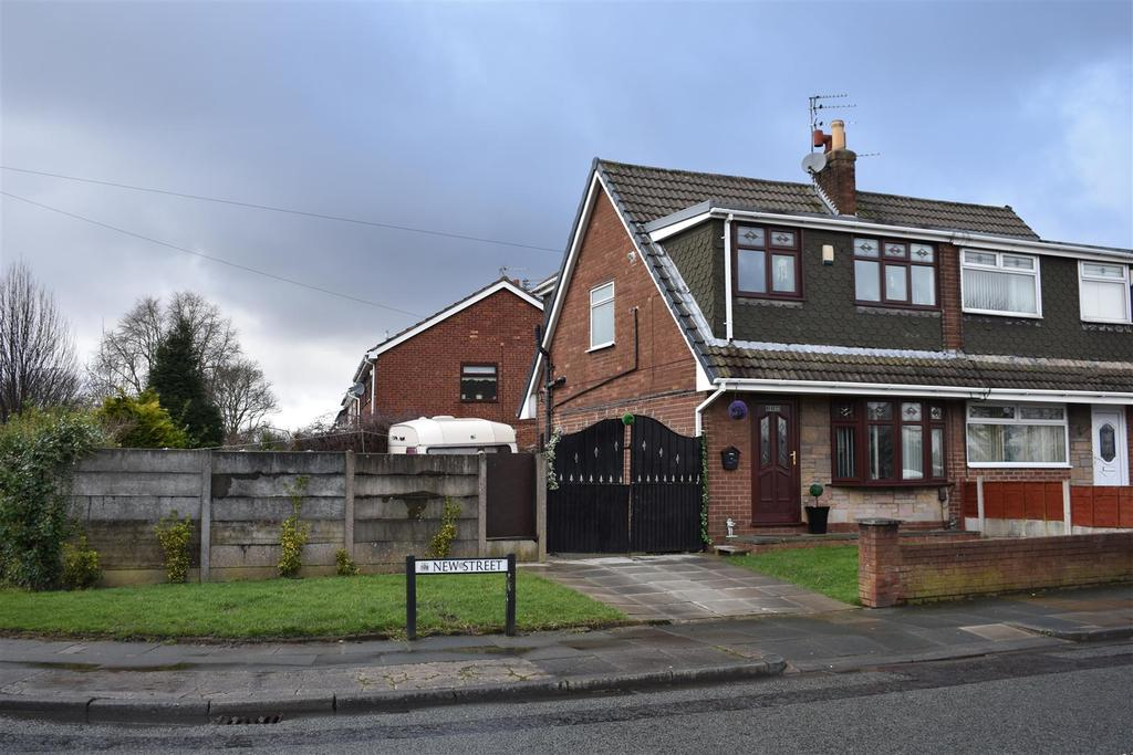 3 Bedrooms Semi Detached House for sale in New Street, St. Helens