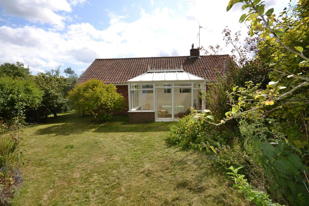 3 Bedrooms Detached House for rent in Glaseby Lane, Washington, West Sussex, RH20