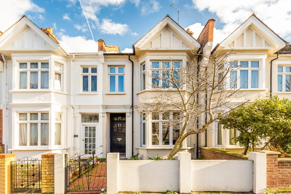 3 Bedrooms Terraced House for sale in Sedgeford Road, London W12