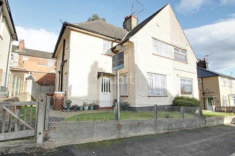 3 bedroom semi-detached house for sale - Barnston Road, Sneinton