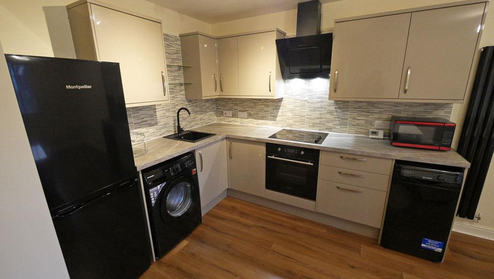 2 Bedrooms Apartment Flat for rent in Dialstone Lane, Stockport SK2