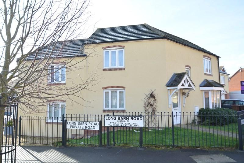 3 Bedrooms Terraced House for sale in Sunflower Way, Andover
