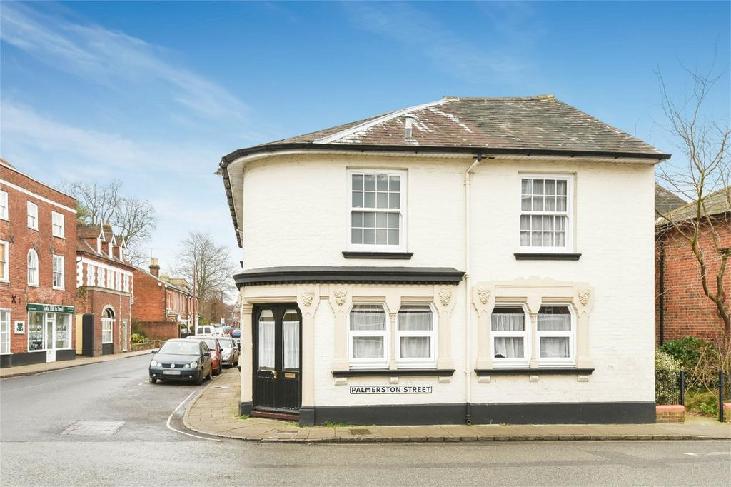 2 Bedrooms Terraced House for sale in The Hundred, Romsey, Hampshire